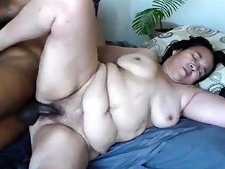hot and fat mature - needs the brush holes brimming