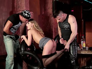 Biker blonde Lucy Heart double penetrated at a boycott kick the bucket hours
