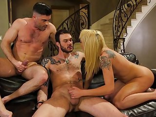 Cute tattooed chick gets wild just about several bisexual dudes