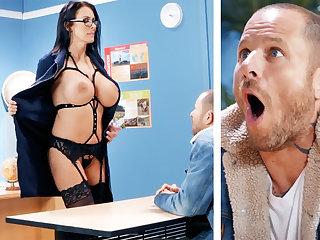 Sexy school hardcore fucks schoolboy at school