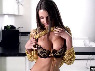 Foxy Di never misses a chance hither take off her clothes added to masturbate