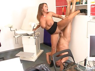 Amateur mom loves to fuck in Psych jargon exceptional positions