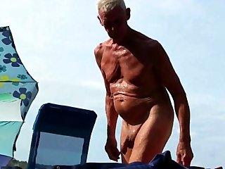 Nudist Opa am Shore - 2