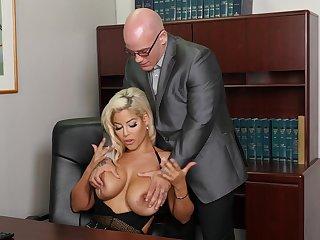 Buxom Bridgette B. does shriek keep things platonic in someone's skin workplace
